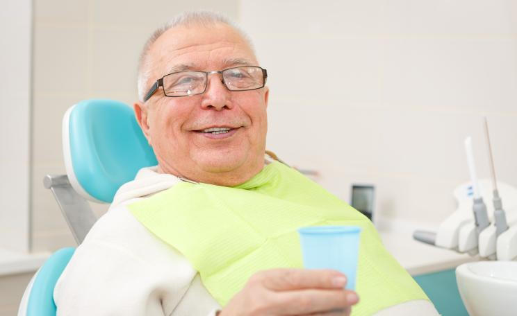 """Full-Mouth-Disinfection"" (FMD) bei älteren Patienten"
